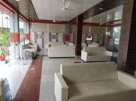 OYO 82476 Royal Garden, hotel en Ghaziabad