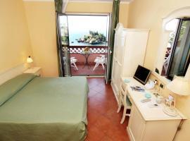 Mendolia Beach Hotel, hotell i Taormina