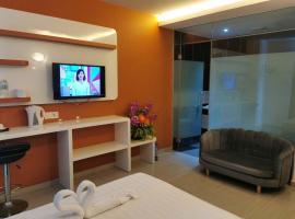 Dolphin Hotel, hotel in Klang