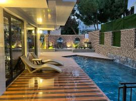 Estera Hotels - Muhafazakar Halal Otel, hôtel à Antalya près de: Aéroport d'Antalya - AYT