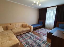 Просторные 2-к апартаменты, vacation rental in Kogalym