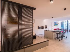 Sweet Piccolo Loft in centro con incantevole idromassaggio, apartment in Merano