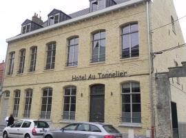 Au Tonnelier, hotel dicht bij: Dunkerque Hospital, Bergues