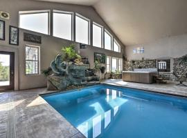 Flawless Durango Home with Theater and Pool Table, holiday home in Durango