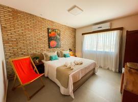 Pousada das Flores, hotel in Luis Correia