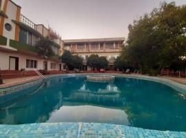 Dwarkadhish Residency、マハバレシュワールのホテル