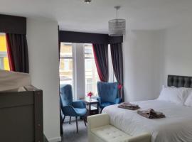 Langley House Hotel, hotel near Sandcastle Waterpark, Blackpool