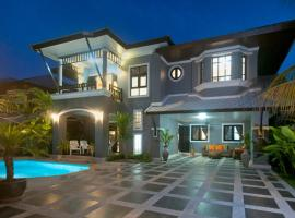 Baan Santhiya Private Pool Villas - FREE TUK-TUK SERVICE, vacation rental in Ao Nang Beach