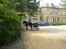Fieldways, hotel in Trowbridge