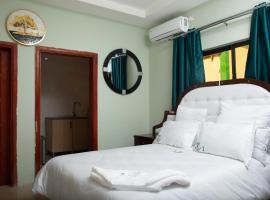 Ekab Lodge and The Tipsy Falls, hotel near Railway Museum, Livingstone