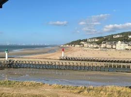 Deauville marina - Escapade vue mer, hotel near Promenade des Planches, Deauville