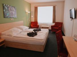 Městský hotel Bobík, hotel in Volary