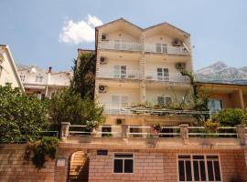 Villa Neda, hotel near Makarska Service Station, Makarska