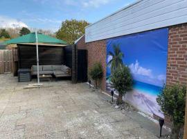 Casa The Wave with infrared sauna, villa in Noordwijkerhout