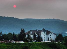 AX Hotel, hotel em Mont-Tremblant