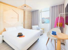 Hôtel Life Marseille VP - Vieux Port, hotel in Marseille