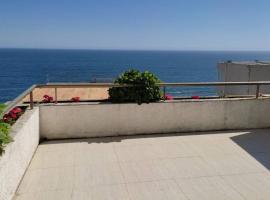 HERMOSO APARTAMENTO CON TERRAZA Y VISTA AL MAR, apartamento en Viña del Mar