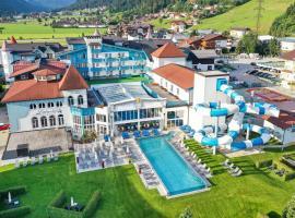 Schlosshotel Lacknerhof, hotel in Flachau