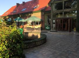 Folwark Nadmorska Ostoja – hotel w pobliżu miejsca Stadion Miejski w Pucku w mieście Mechelinki
