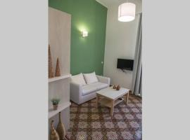 The Little big apartment in the heart of Heraklion, appartamento a Heraklion