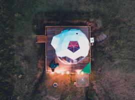 KingDome Glamping, luxury tent in Guatavita