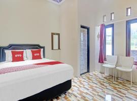 OYO 90612 Baby Angel Hotel, hotel near Dieng Plateau, Garung