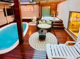 CWB 997 com piscina aquecida jacuzzi e Playground, hotel with pools in Curitiba