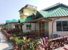 Resort Gorumara Riverside, hotel in Lataguri