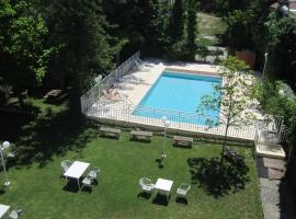 Hotel HR, serviced apartment in Corte