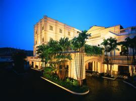 The Oberoi Grand Kolkata, five-star hotel in Kolkata