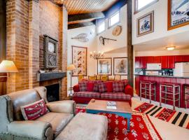 Lodge at Steamboat C307, hotel in Steamboat Springs