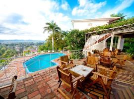 Hotel Mont Joli, hotel in Cap-Haïtien