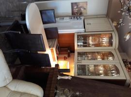 Mandy's complete luxury flat, apartment in Piraeus