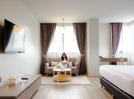 The Rise Suites, cheap hotel in Chiang Mai