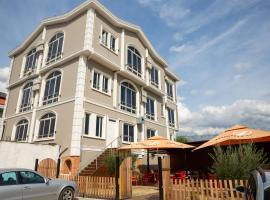 Triada Hotel, hotel near Tirana International Airport Mother Teresa - TIA, Fushë-Krujë