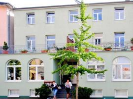 Hotel Garni Villa Ostseegruss Obje, hotel near Warnemünde-Hafen, Warnemünde