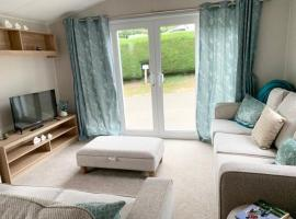 Exotic 3-Bed Caravan at Newquay Holiday Park, hotel with pools in Newquay