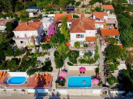 Villa Carmen Rooms & Apartments, guest house in Mlini