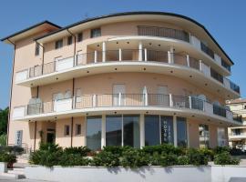 Hotel Europa, hotel in Nereto