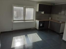 Opheleialexander, apartment in Charleroi