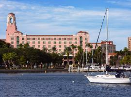 The Vinoy® Renaissance St. Petersburg Resort & Golf Club, hotel in St Petersburg