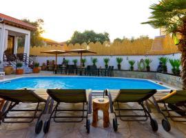 Hotel Pavlidis: Limenas'ta bir otel