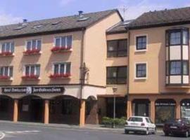 Hotel-Restaurant Zum Goldenen Löwen, hotel near Main-Taunus-Zentrum, Kelkheim