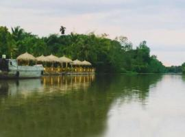 Bamboo Eco Village, homestay in Can Tho
