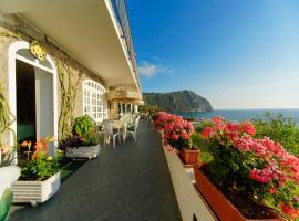 Hotel Casa del Sole, hotel in zona Porto di Forio D'Ischia, Ischia