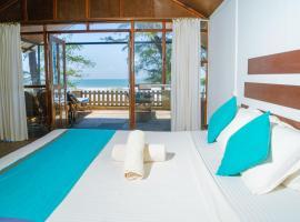 Peace Garden Beach Resort, hotel in Canacona