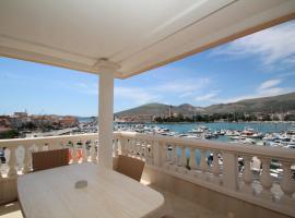 Hotel Trogir Palace, hotel near Park Ex Fanfogna, Trogir