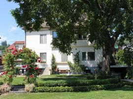Ferienwohnung und Gästezimmer Korb, Hotel in der Nähe von: Schloss Hornstein, Krumpendorf am Wörthersee