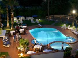 Hotel Barbarella, hotell i Giugliano in Campania