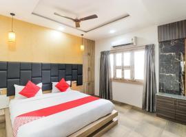 OYO 62811 The Kashi Iconic Guest House, hotel en Varanasi
